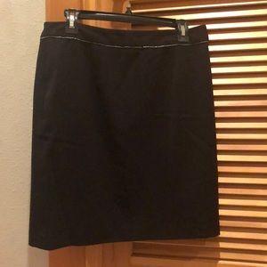 Amanda + Chelsea black skirt!